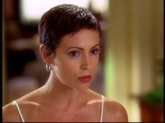Charmed 06x02 : Valhalley of the Dolls (2)- Seriesaddict